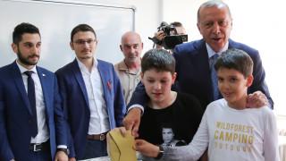 Ψήφισε ο Ερντογάν: Περνάμε στο προεδρικό σύστημα που θα μας ανεβάσει σε νέο επίπεδο πολιτισμού