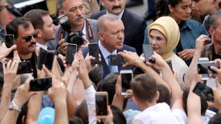 Εκλογές Τουρκία: Η «δημοκρατική επανάσταση» του Ερντογάν και οι καταγγελίες της αντιπολίτευσης