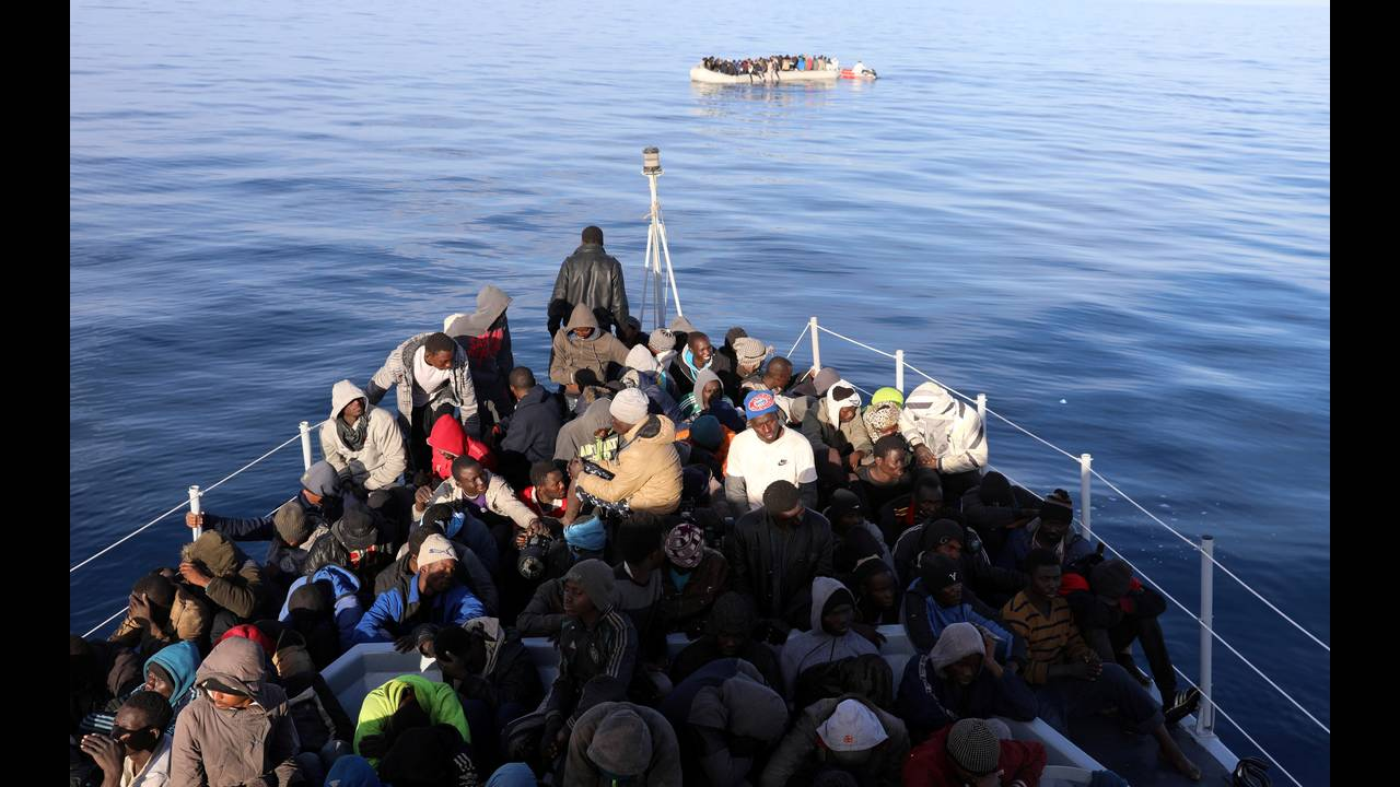 https://cdn.cnngreece.gr/media/news/2018/06/25/135910/photos/snapshot/2018-01-16T055349Z_119201153_RC18027683D0_RTRMADP_3_EUROPE-MIGRANTS-LIBYA-COASTGUARD.JPG