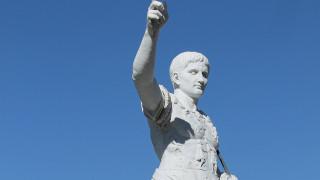 Νέα έρευνα αποκαλύπτει πώς έμοιαζε πραγματικά ο Ιούλιος Καίσαρας