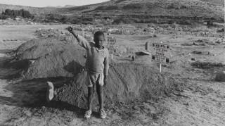 Πέθανε ο φωτογράφος που κατήγγειλε το Άπαρτχαιντ Ντέιβιντ Γκόλντμπλατ