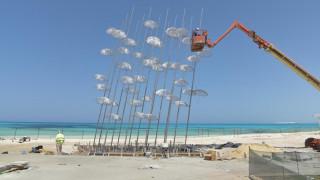 Οι εμβληματικές Ομπρέλες του Γ. Ζογγολόπουλου «ρίχνουν σκιά» στην Αλεξάνδρεια