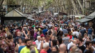 «Τουριστοφοβία» στη Βαρκελώνη: «Ναι» στους μετανάστες, «όχι» στους τουρίστες