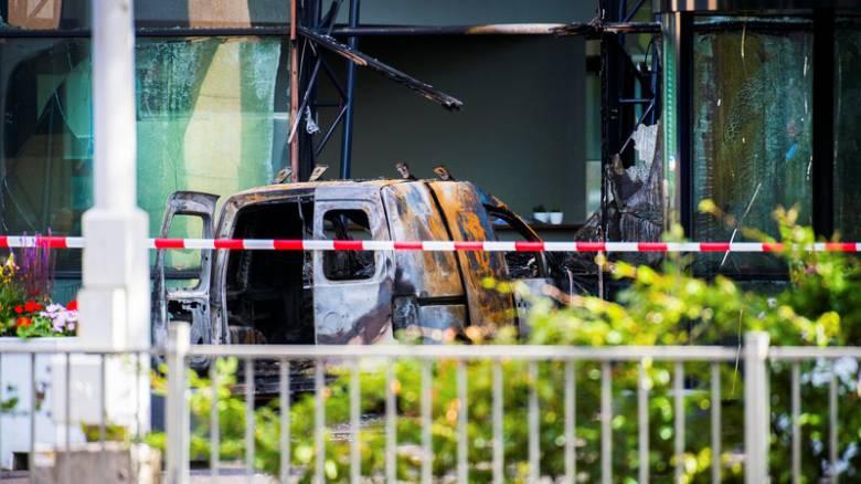 Ολλανδία: Επίθεση με φορτηγάκι σε γραφεία εφημερίδας