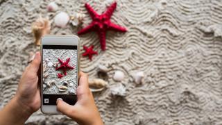 Η Google δίνει 11 συμβουλές για πιο «έξυπνες» καλοκαιρινές διακοπές