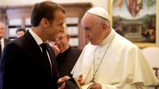 Πρώτη συνάντηση Πάπα Φραγκίσκου - Μακρόν στο Βατικανό
