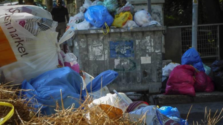 Συνοδεία ισχυρών αστυνομικών δυνάμεων τα απορριμματοφόρα στο ΧΥΤΑ Λευκίμμης