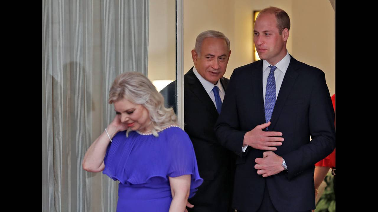https://cdn.cnngreece.gr/media/news/2018/06/26/136122/photos/snapshot/2018-06-26T094244Z_748677865_RC14D997CE20_RTRMADP_3_BRITAIN-ROYALS-ISRAEL-PALESTINIANS.jpg