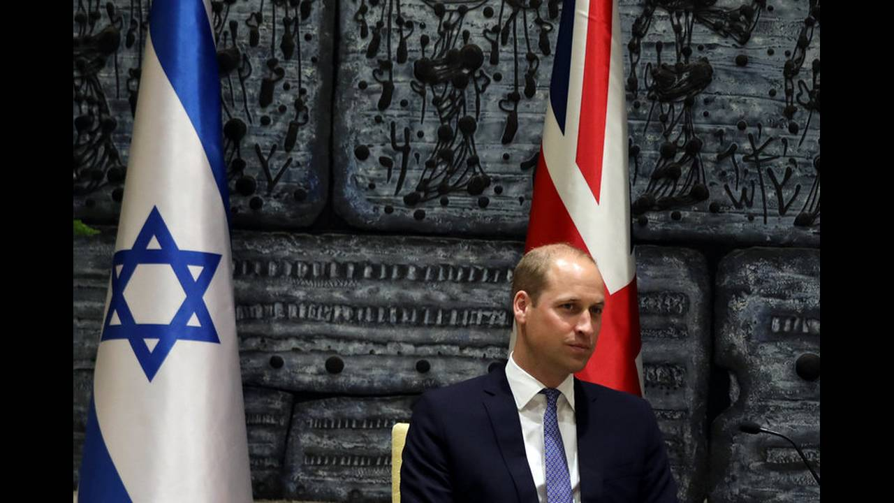https://cdn.cnngreece.gr/media/news/2018/06/26/136122/photos/snapshot/2018-06-26T115520Z_2009983276_RC1A4C934370_RTRMADP_3_BRITAIN-ROYALS-ISRAEL-PALESTINIANS.jpg