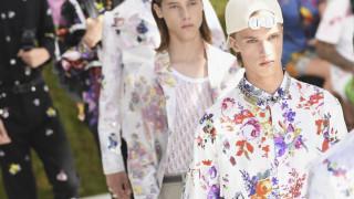 Εβδομάδα μόδας: flower power & παστέλ η νέα αντρική μόδα του Dior Homme
