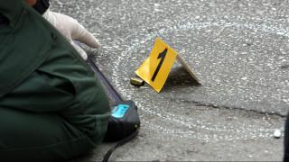 Ανταλλαγή πυροβολισμών στο Παλαιό Φάληρο: Γνωστός άνθρωπος της νύχτας ο τραυματίας
