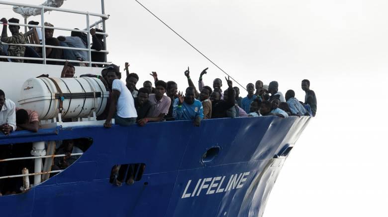Στο λιμάνι της Μάλτας θα δέσει το βράδυ το Lifeline με τους 233 μετανάστες