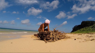 Ένας Ιάπωνας Ροβινσώνας Κρούσος: Ο γυμνός ερημίτης που ζει εδώ και τριάντα χρόνια σε ένα ερημονήσι