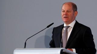 Σολτς: Το ΔΝΤ θα συνεχίσει να βοηθά την Ελλάδα