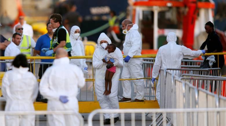 Μάλτα: Αποβιβάστηκαν οι 233 μετανάστες που επέβαιναν στο Lifeline