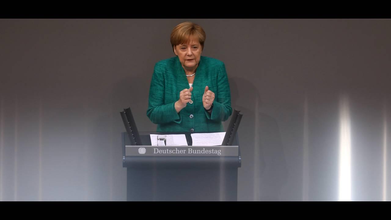 https://cdn.cnngreece.gr/media/news/2018/06/28/136411/photos/snapshot/2018-06-28T072959Z_989661085_RC15E2B164F0_RTRMADP_3_GERMANY-POLITICS-MERKEL.JPG