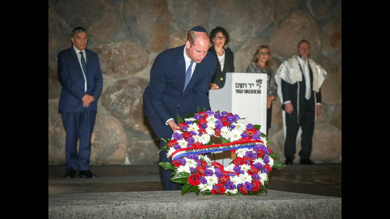 https://cdn.cnngreece.gr/media/news/2018/06/28/136437/photos/snapshot/2018-06-26T115142Z_1507466403_RC1773704850_RTRMADP_3_BRITAIN-ROYALS-ISRAEL-PALESTINIANS.jpg