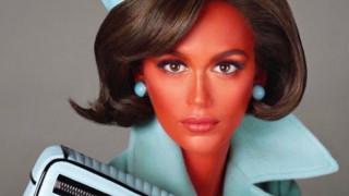 Alien nation: Τζίτζι & Κάια πρωταγωνίστριες σε αμφιλεγόμενη καμπάνια του Moschino