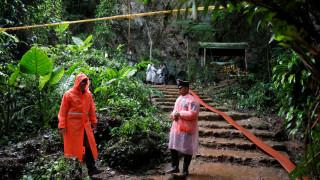 Έβδομη μέρα ερευνών για τα παγιδευμένα παιδιά σε σπηλιά της Ταϊλάνδης