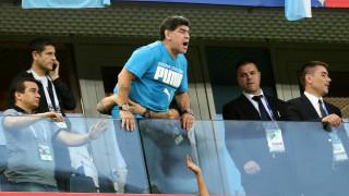 Παγκόσμιο Κύπελλο Ποδοσφαίρου 2018: Η FIFA «απειλεί» τον Μαραντόνα με απαγόρευση εισόδου στα γήπεδα