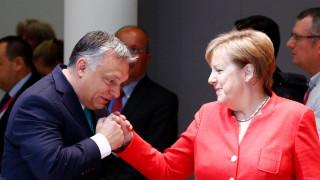 Τσεχία, Ουγγαρία, Πολωνία διαψεύδουν τη συμφωνία με Μέρκελ για το προσφυγικό