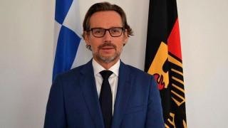 Γερμανός πρέσβης: Αβάσιμα τα περί ανταλλαγής μεταξύ Ελλάδας-Γερμανίας για Σκοπιανό, προσφυγικό