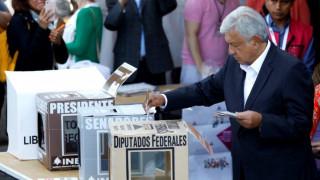 Άνοιξαν οι κάλπες στο Μεξικό για τις προεδρικές εκλογές