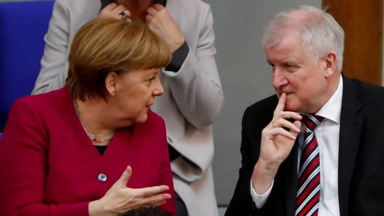 Δυσαρεστημένος με τις συμφωνίες της Μέρκελ για το προσφυγικό ο Ζεεχόφερ