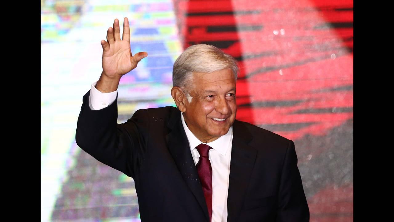 https://cdn.cnngreece.gr/media/news/2018/07/02/136934/photos/snapshot/2018-07-02T043249Z_77843660_RC120C198060_RTRMADP_3_MEXICO-ELECTION.JPG