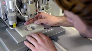 Επιστήμονες δημιούργησαν την πρώτη τεχνητή ωοθήκη από ανθρώπινο ιστό