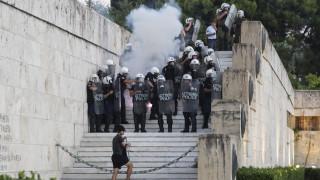 Στον εισαγγελέα οι συλληφθέντες για τα επεισόδια στο συλλαλητήριο στο Σύνταγμα
