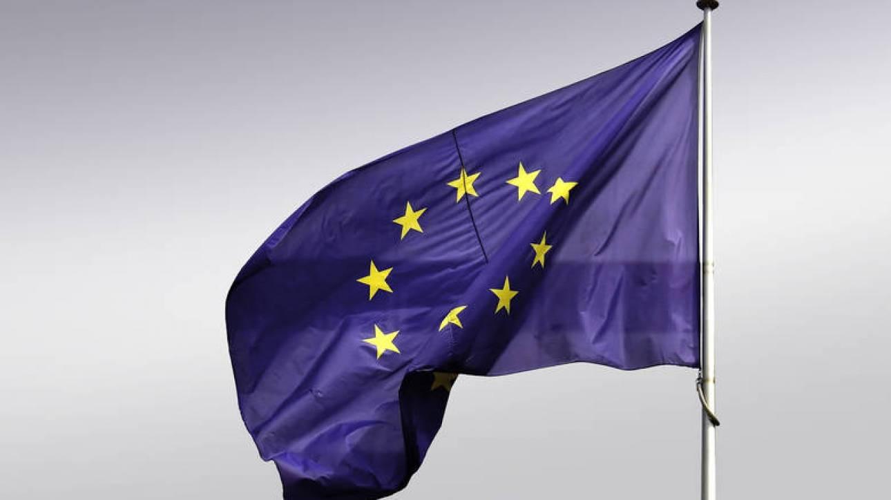 Με «σημαντικό πλήγμα» προειδοποιεί η ΕΕ τις ΗΠΑ σε πιθανή επιβολή δασμών στα αυτοκίνητα