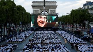 Ηλύσια Πεδία: θερινό σινεμά για μια μόνο βραδιά στο Champs Elysees