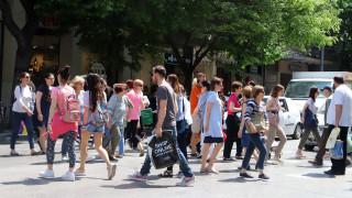 Θερινές εκπτώσεις 2018: Πότε αρχίζουν και ποια Κυριακή θα είναι ανοιχτά τα καταστήματα
