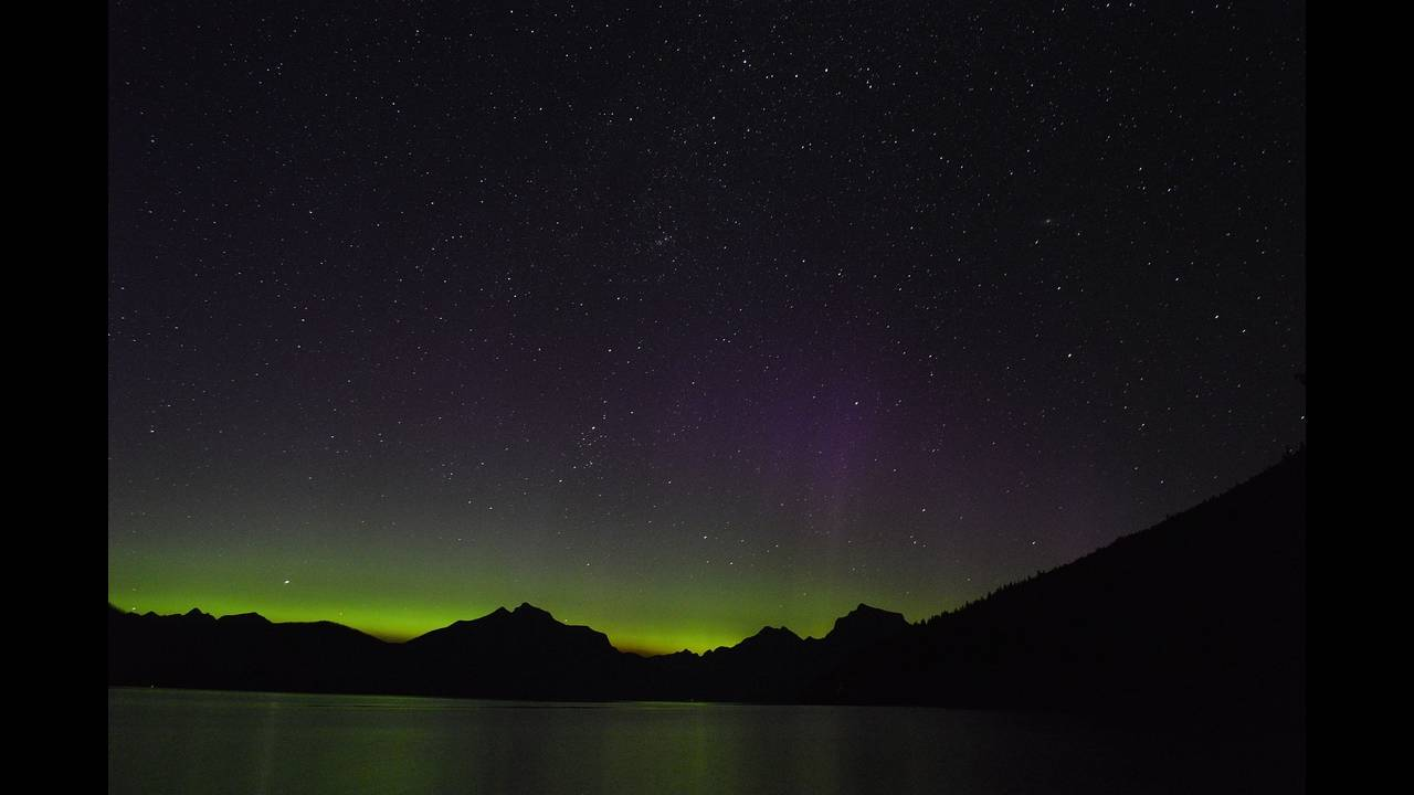 https://cdn.cnngreece.gr/media/news/2018/07/02/137075/photos/snapshot/aurora-borealis-947409_1920.jpg