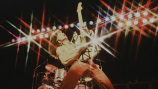 40 χρόνια Eddie Van Halen: η εμβληματική κιθάρα Eruption ξαναγεννιέται τρεις φορές