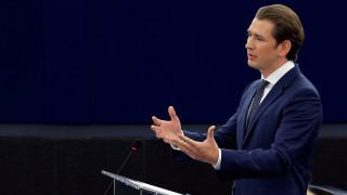 O Κουρτς αναλαμβάνει ρόλο «γεφυροποιού» στην ΕΕ