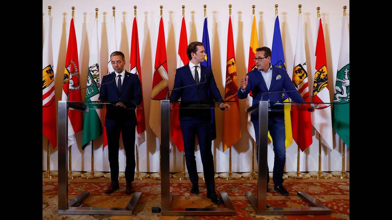 https://cdn.cnngreece.gr/media/news/2018/07/03/137240/photos/snapshot/2018-07-03T161641Z_1254063420_RC1F0FA0BE30_RTRMADP_3_EUROPE-MIGRANTS-GERMANY-AUSTRIA.jpg