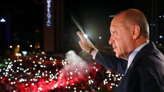Παντοδύναμος ο Ερντογάν: Δημοσιεύθηκε το διάταγμα που μεταφέρει εξουσίες στον πρόεδρο της Τουρκίας