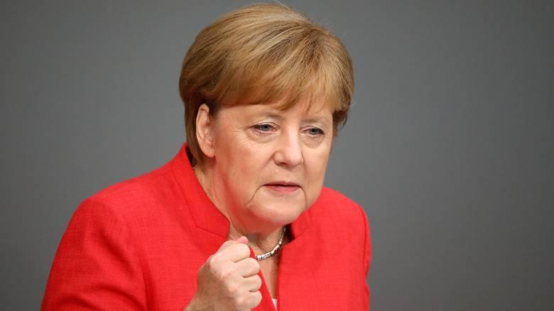 Προειδοποίηση Μέρκελ: Το μεταναστευτικό μπορεί να κρίνει την επιβίωση της Ε.Ε.