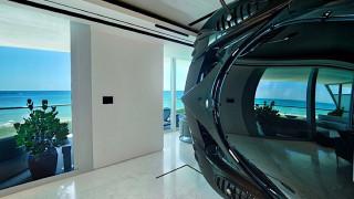Pagani Zonda R: σπάνιο supercar εκατομμυρίων πάρκαρε σε διαμέρισμα στο Μαϊάμι