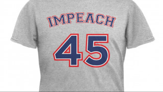 Walmart: οργή και μποϊκοτάζ για μπλουζάκια με σύνθημα κατά του Τραμπ