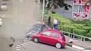 Αυτοκίνητο παρέσυρε πεζούς στη Ρωσία: Ένας νεκρός και τραυματίες