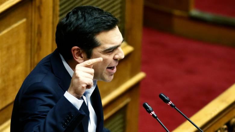 Στη Βουλή μεταφέρεται η πόλωση – Σύγκρουση κορυφής σε όλα τα πεδία