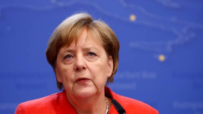 Γερμανία: Η Μέρκελ θέλει να αποφύγει τον εμπορικό πόλεμο με τις ΗΠΑ