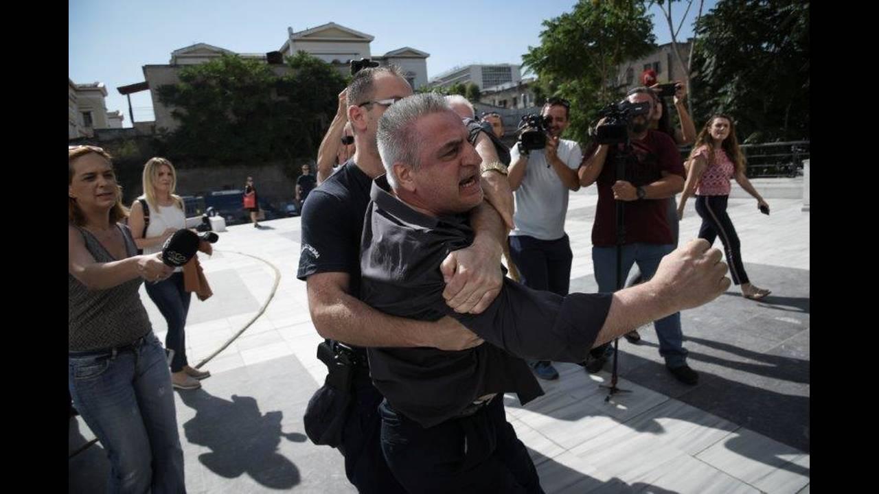 https://cdn.cnngreece.gr/media/news/2018/07/05/137445/photos/snapshot/4499766.jpg