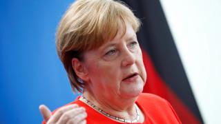 Μέρκελ σε Μέι: Τα χρονικά περιθώρια για τις διαπραγματεύσεις του Brexit στενεύουν