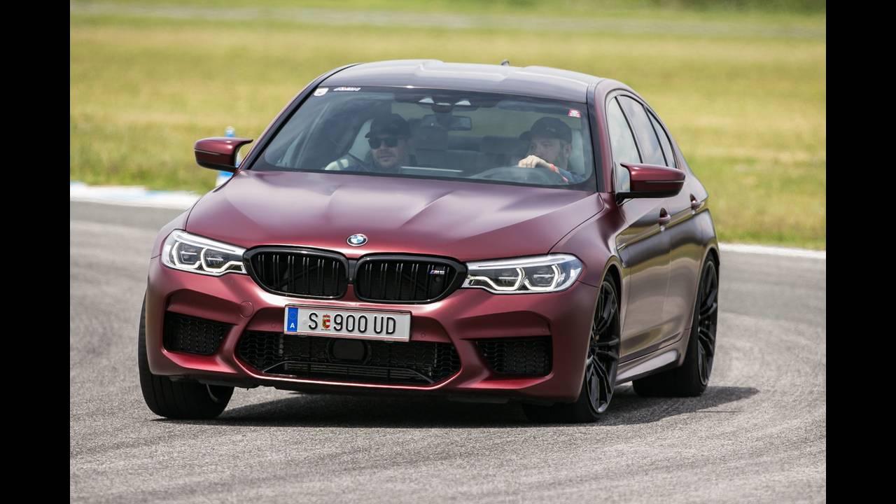 https://cdn.cnngreece.gr/media/news/2018/07/05/137488/photos/snapshot/BMW-M-SERRES-14.JPG