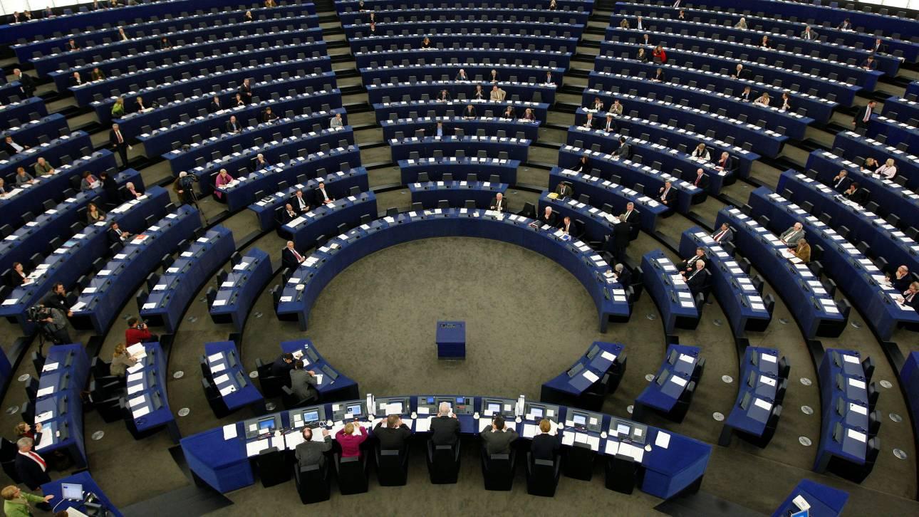 Ευρωκοινοβούλιο: Υπέρ της κατάργησης του 8ωρου για επαγγελματίες οδηγούς δύο ελληνικά κόμματα
