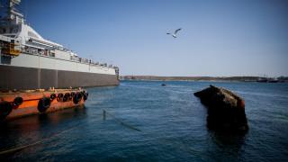 Θεσσαλονίκη: Ολοκληρώθηκε η επιχείρηση αποκόλλησης του πλοίου που προσάραξε σε αβαθή νερά